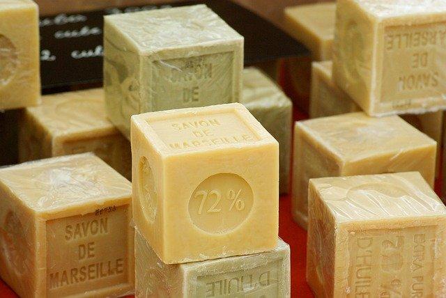 Le savon de Marseille: des vertus pour le corps et la maison